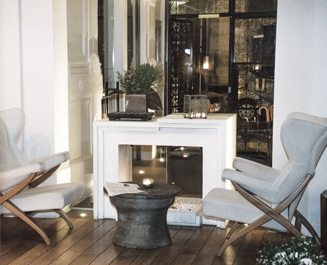 Au Courant Daily on Hotel de Nell's Moody, Modernist Parisian Space