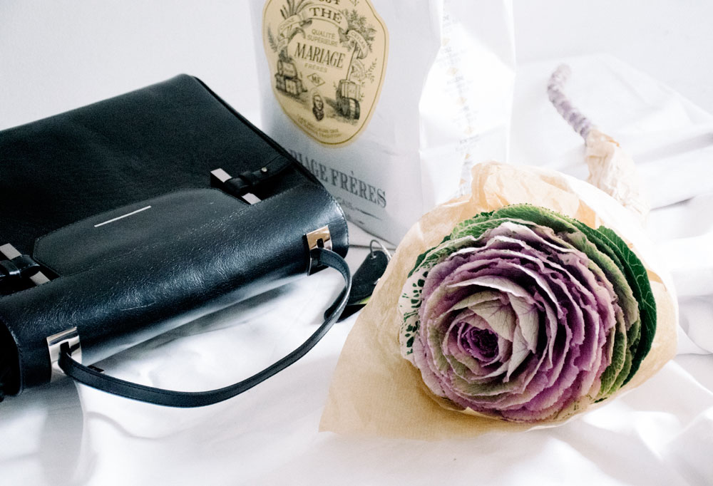 The Au Courant Daily Journal | On Weekend Things and Simple Pleasures - Cabbage Flowers, everyday Italian bags from Estemporanea for running errands, and selected teas from Mariage Freres for cold days.
